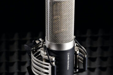 Audio-Technica-AT5040-microphone main pic.