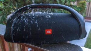 JBL-Boombox-2-review