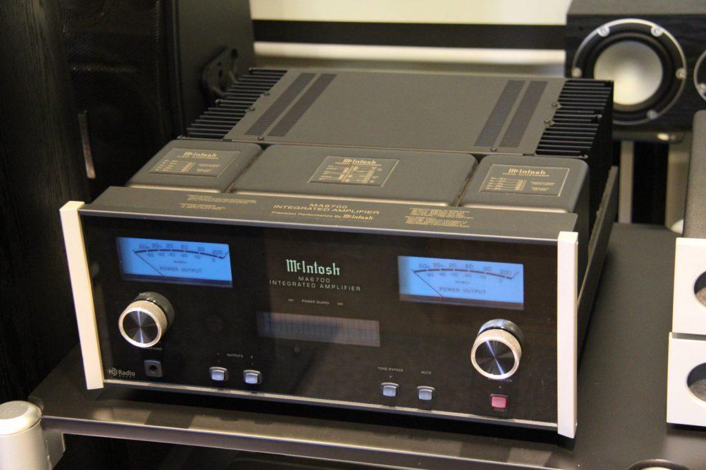 MCIntosh MA 6700 amplifier