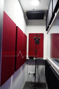 acoustic management of the recording room